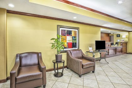 Interior | Holiday Inn Express Hotel and Suites Marysville