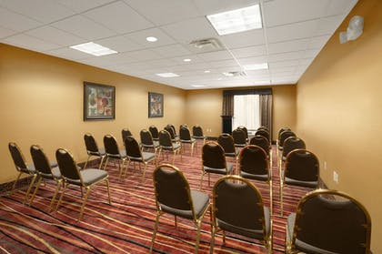 Meeting Facility | Holiday Inn Express Hotel and Suites Marysville