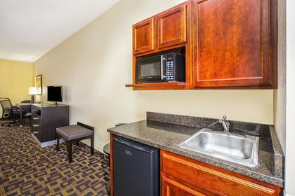 In-Room Kitchenette | Holiday Inn Express Hotel and Suites Marysville