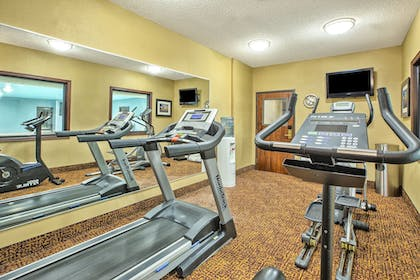 Fitness Facility | Holiday Inn Express Hotel and Suites Marysville