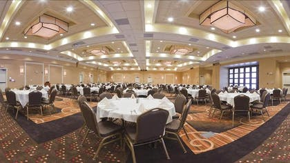 Banquet Hall | Holiday Inn Express & Suites Aberdeen