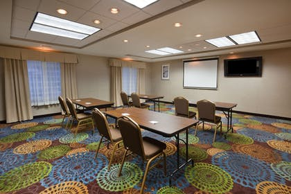 Meeting Facility | Holiday Inn Express & Suites Aberdeen