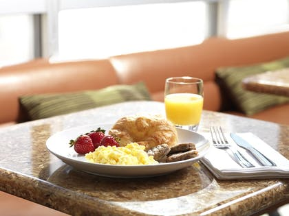 Breakfast Meal | Springhill Suites By Marriott - Danbury