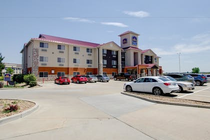Parking | Best Western Firestone Inn & Suites