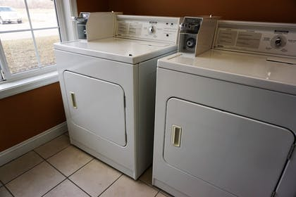 Laundry Room | River Hills Hotel