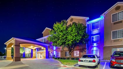 Exterior | Best Western Plus Cutting Horse Inn & Suites