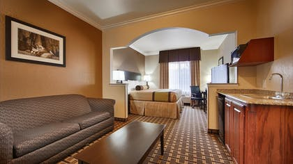 Guestroom | Best Western Plus Cutting Horse Inn & Suites