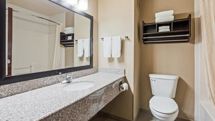 Bathroom | Best Western Plus Cutting Horse Inn & Suites