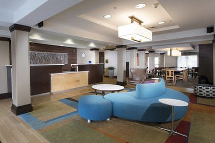 Lobby | Fairfield Inn & Suites Charleston North/University Area