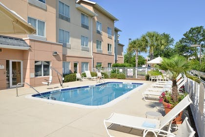 Outdoor Pool | Fairfield Inn & Suites Charleston North/University Area