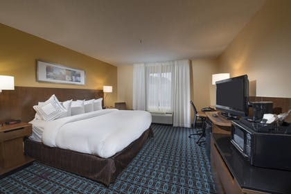 Guestroom | Fairfield Inn & Suites Charleston North/University Area