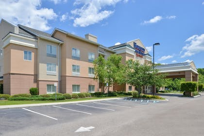 Porch | Fairfield Inn & Suites Charleston North/University Area