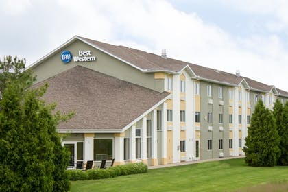 Hotel Front | Best Western Toledo South Maumee