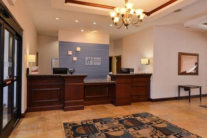 Lobby | Holiday Inn Express & Suites White Haven - Poconos