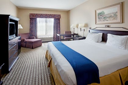Guestroom   Holiday Inn Express Hotel & Suites Marina - State Beach Area