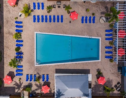 Outdoor Pool | Skipjack Resort Suites & Marina