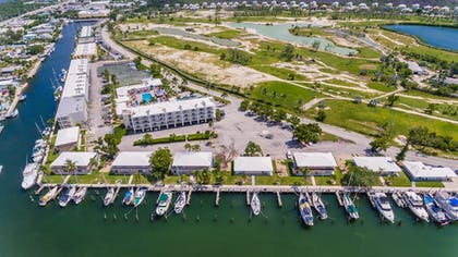 Boating | Skipjack Resort Suites & Marina