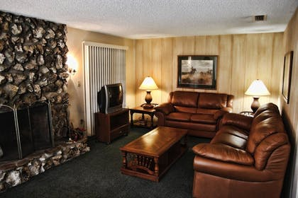 Living Room | Westgate River Ranch Resort & Rodeo