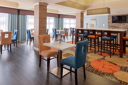 Restaurant | Holiday Inn Express Hotel & Suites Bessemer