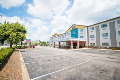 Featured Image   SureStay Plus by Best Western Louisville Airport Expo
