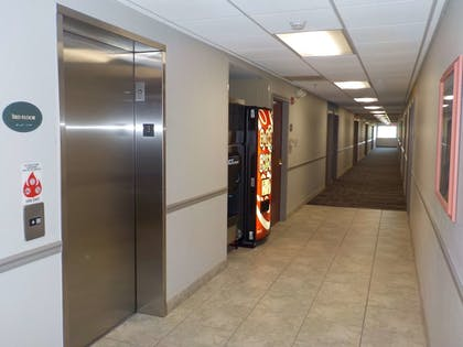 Hallway | SureStay Plus by Best Western Louisville Airport Expo
