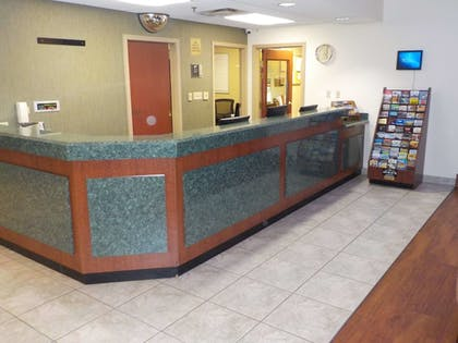 Reception   SureStay Plus by Best Western Louisville Airport Expo