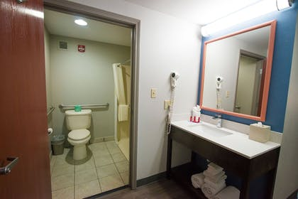 Bathroom | SureStay Plus by Best Western Louisville Airport Expo
