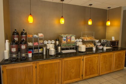 Food and Drink | Comfort Suites Visalia Convention Center