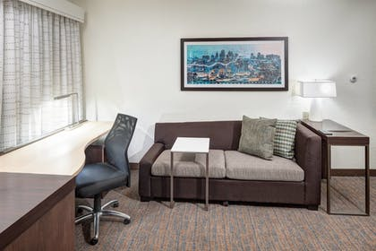 Guestroom | Residence Inn by Marriott Kansas City Country Club Plaza