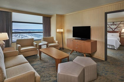 | The Westin Detroit Metropolitan Airport