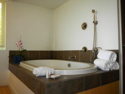 Deep Soaking Bathtub | Casa Morada