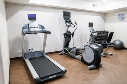 Fitness Facility | Holiday Inn Express & Suites Lake Forest