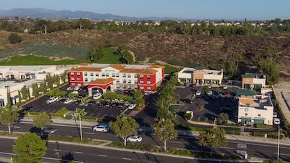 Aerial View | Holiday Inn Express & Suites Lake Forest
