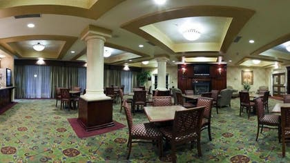 Breakfast Area | Holiday Inn Express Hotel & Suites El Centro