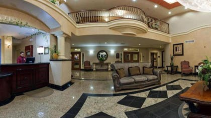 Lobby | Holiday Inn Express Hotel & Suites El Centro