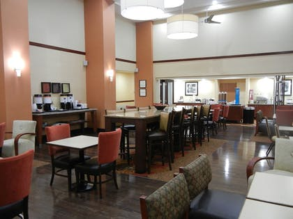 Food Court | Hampton Inn & Suites Orlando Intl Dr N