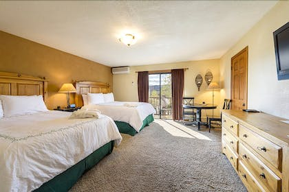 Guestroom | The Inn at Steamboat