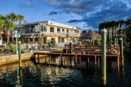 Featured Image | Bayview Plaza Waterfront Resort