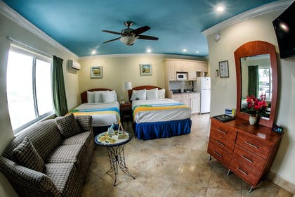 Living Area | Bayview Plaza Waterfront Resort