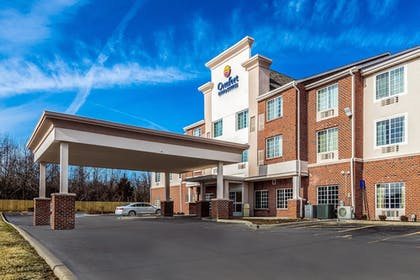 Featured Image | Comfort Inn & Suites Dayton North