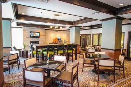 Restaurant | Holiday Inn Express Hotel and Suites Nacogdoches