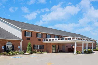 Featured Image   Super 8 by Wyndham New Hampton