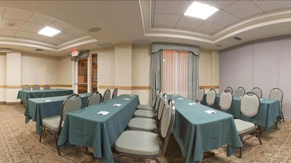 Meeting Facility | Holiday Inn Express Hotel & Suites Vacaville
