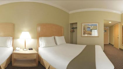 Guestroom | Holiday Inn Express Hotel & Suites Vacaville