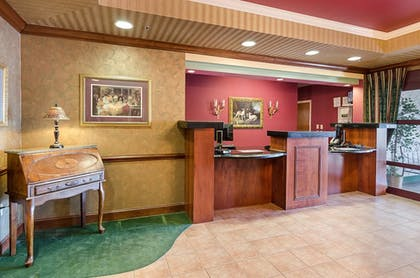 Lobby | Mainstay Suites Airport