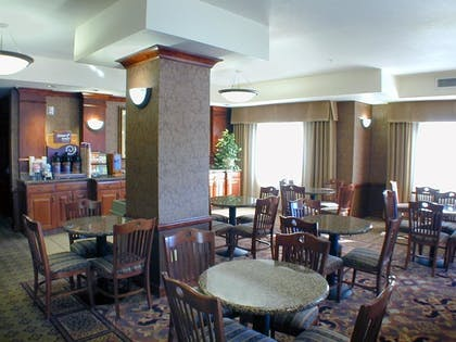 Dining | Holiday Inn Express Hotel & Suites Barstow-Outlet Center