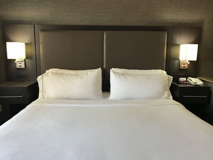 Guestroom | Holiday Inn Express Hotel & Suites Barstow-Outlet Center