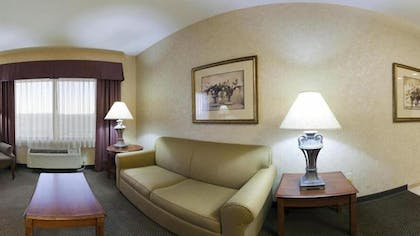 Living Area | Holiday Inn Express Hotel & Suites Barstow-Outlet Center