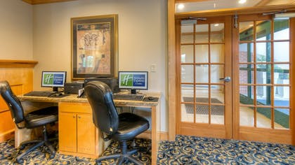 Hotel Interior | Holiday Inn Express Hotel & Suites Memphis Southwind