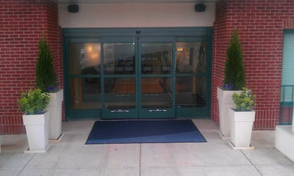 Exterior | Holiday Inn Express Hotel & Suites Memphis Southwind